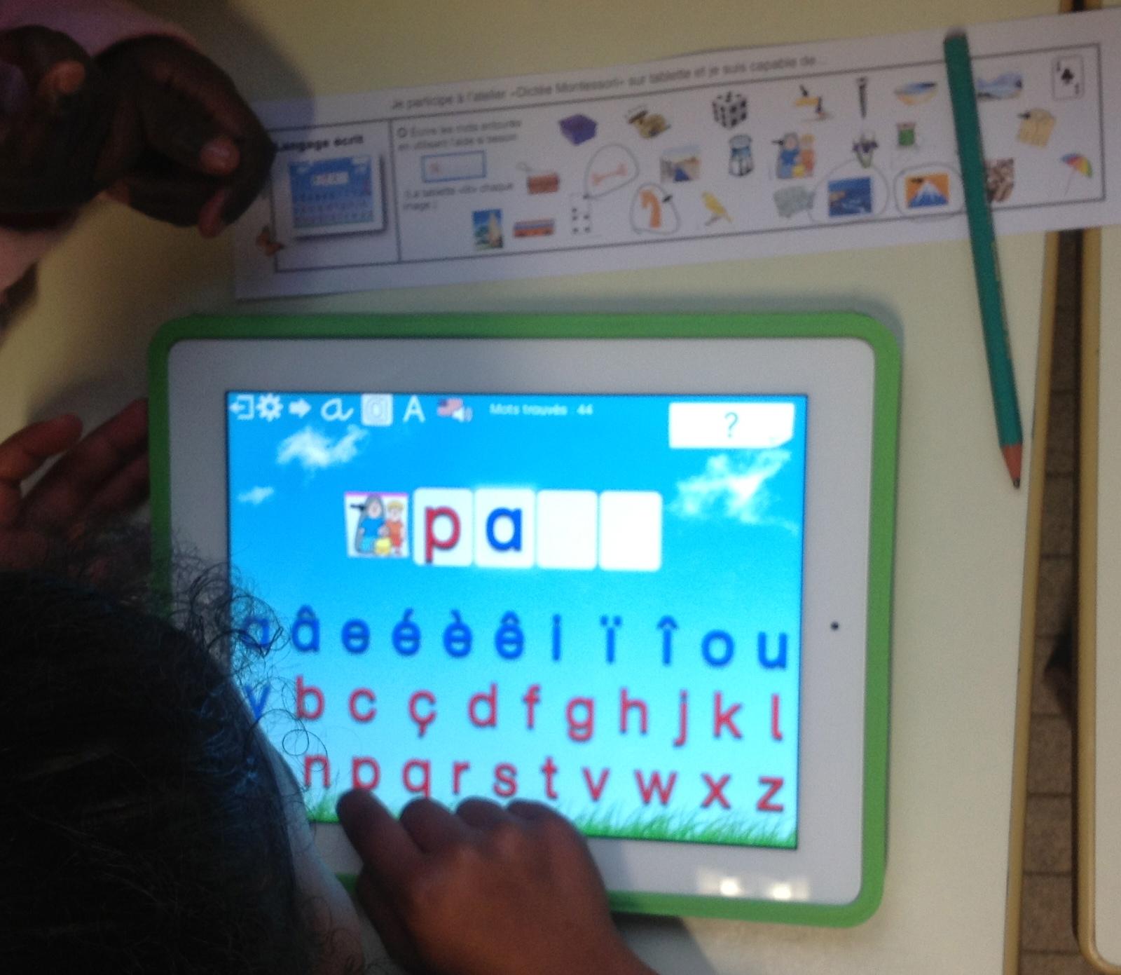 Tablette : Atelier échelonné de lecture